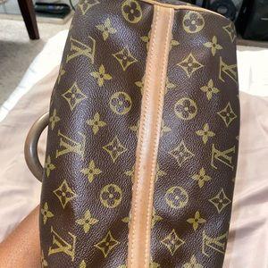 Vintage Louis Vuitton bag 180s